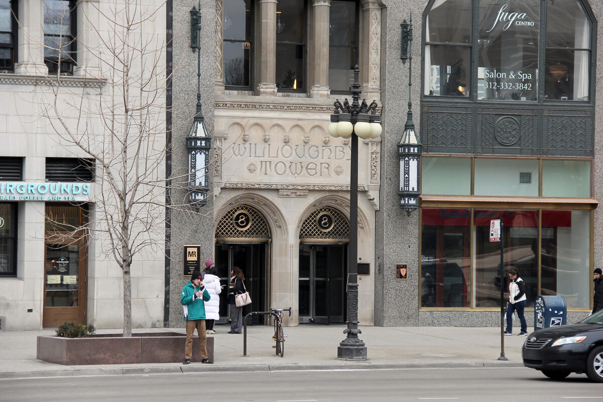Downtown Chicago couple and family therapy office